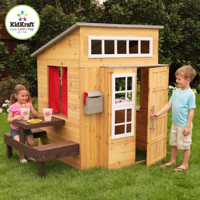 Faut-il choisir une cabane en bois ou en plastique pour ses enfants ?